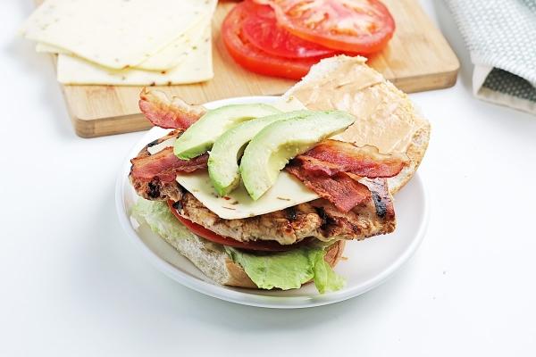 assembling a spicy chicken sandwich