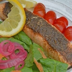 Pastrami Salmon Rub is a blend of the perfect salmon seasoning! Not only for baked salmon, this rub also work for grilled salmon and salmon kabobs!