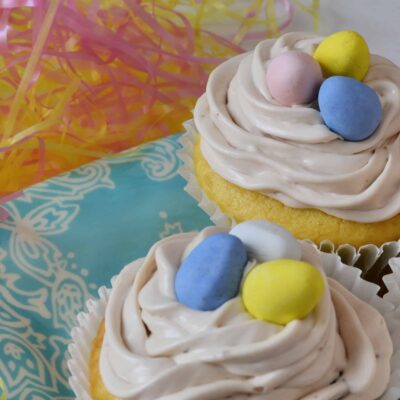 Cadbury Egg Cupcakes- your favorite creme egg in a cupcake! | #cadburyegg | www.savoryexperiments.com