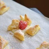 Danish Pastry make a great dessert that is not heavy but is also easy and quick to put together. Everyone will love this brie in puff pastry! #puffpastrydesserts #brieinpuffpastry www.savoryexperiments.com