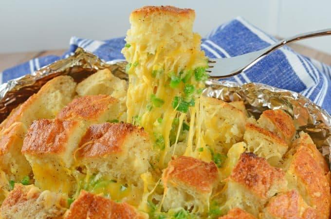 Jalapeno Popper Pull Apart Bread