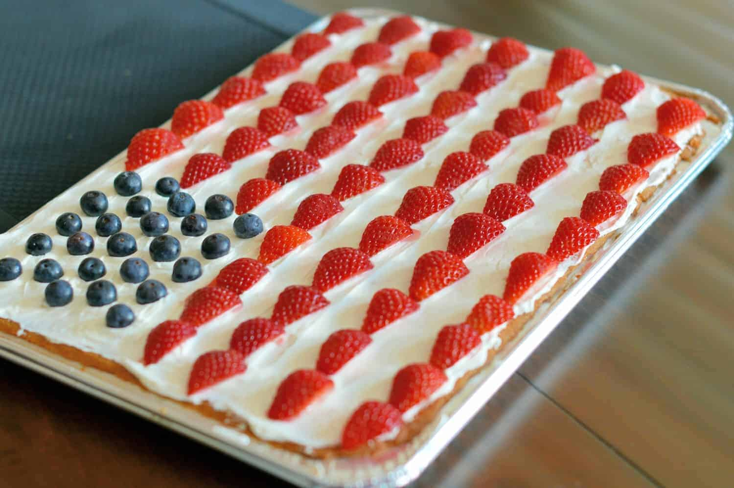 Super Simple American Flag Sugar Cookie Cake