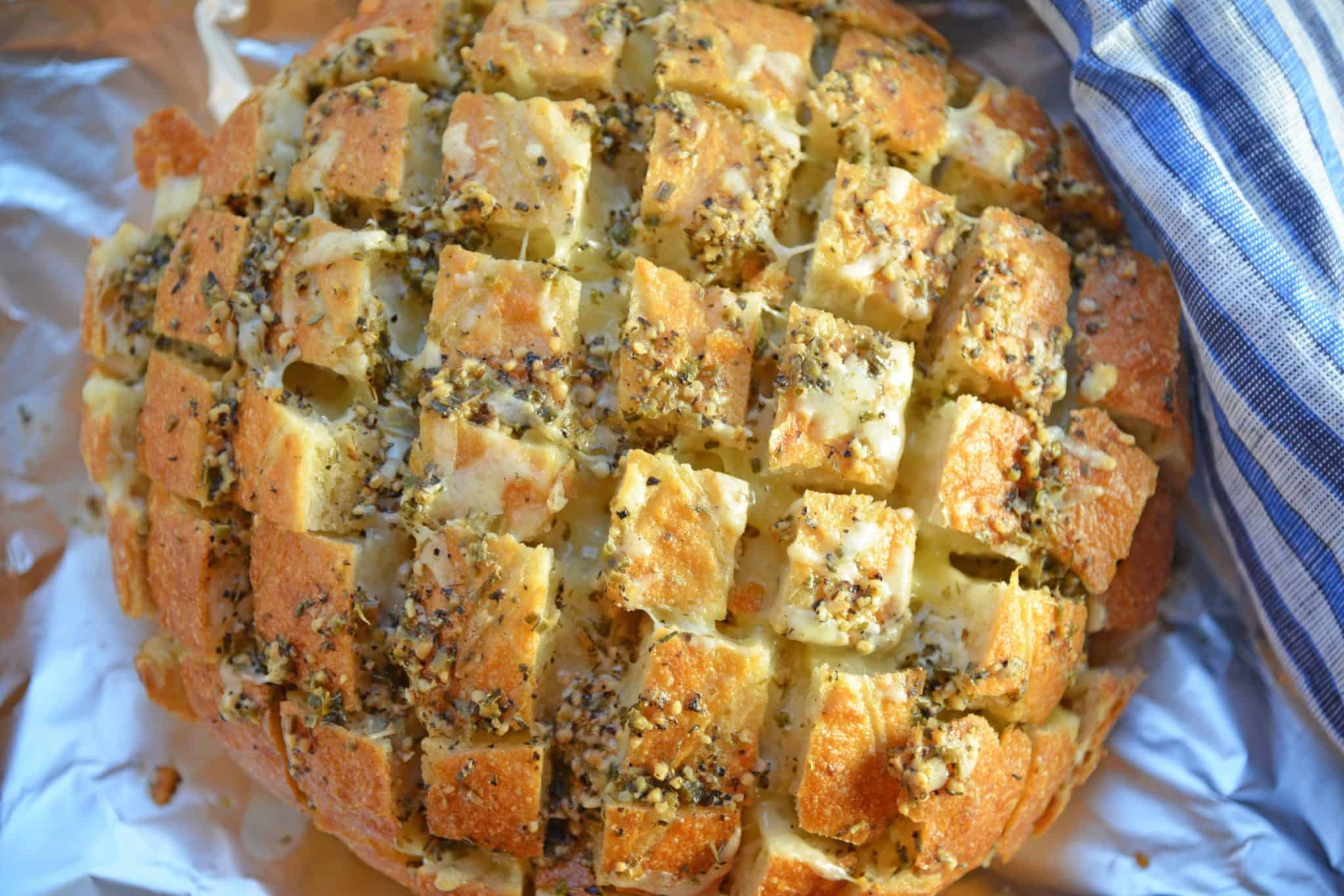 Pull Apart Cheesy Garlic Bread Is A Garlic Bread Recipe Taken To New Heights With Cheese