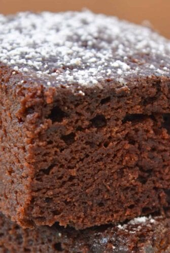 powdered sugar chocolate beet cake