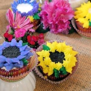 Oreo cookie flower cupcakes are so simple to make, but nearly too pretty to eat!