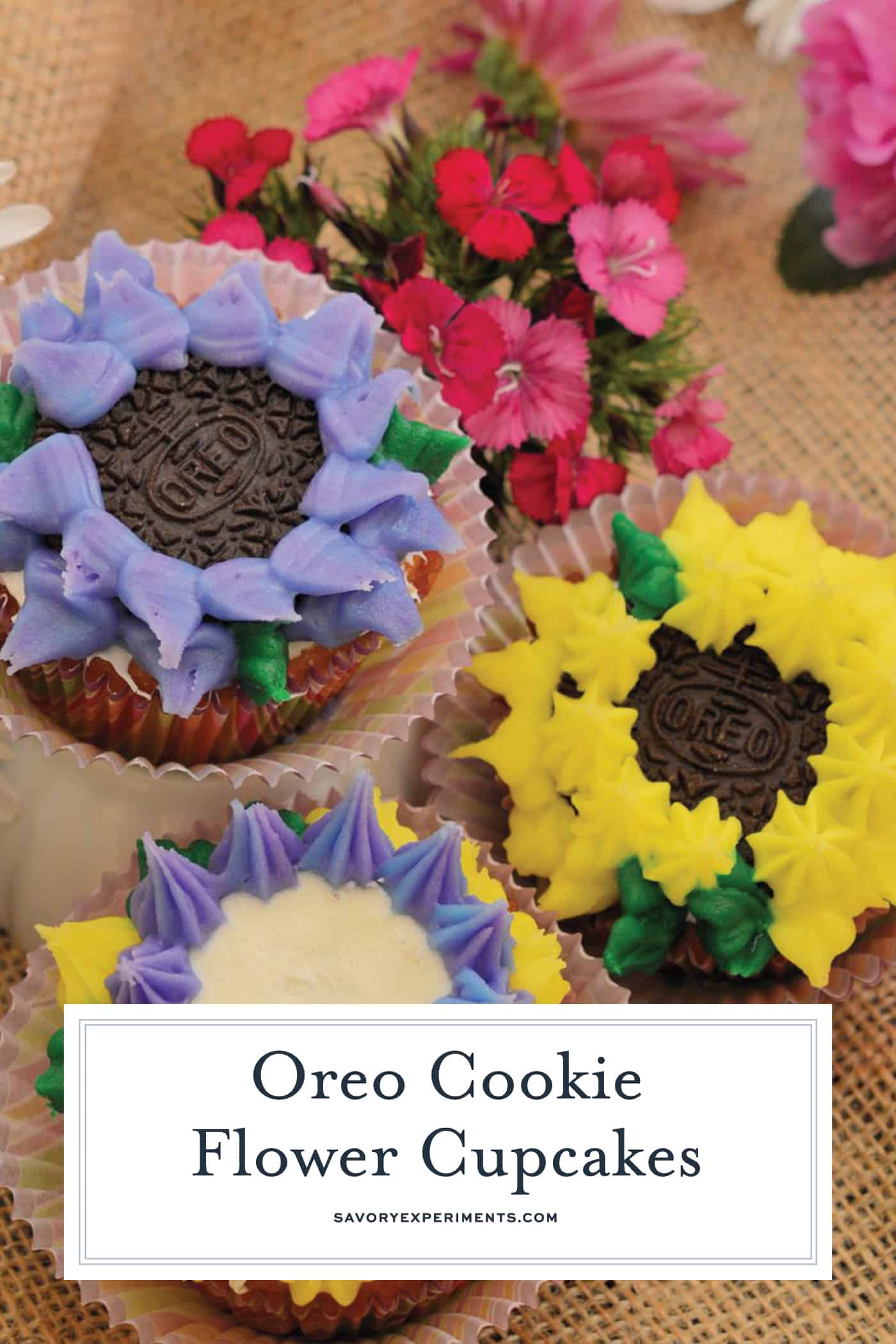Oreo Cookie Flower Cupcakes are easy to decorate cupcakes perfect for spring or summer and totally kid friendly! #oreocookiecupcakes www.savoryexperiments.com