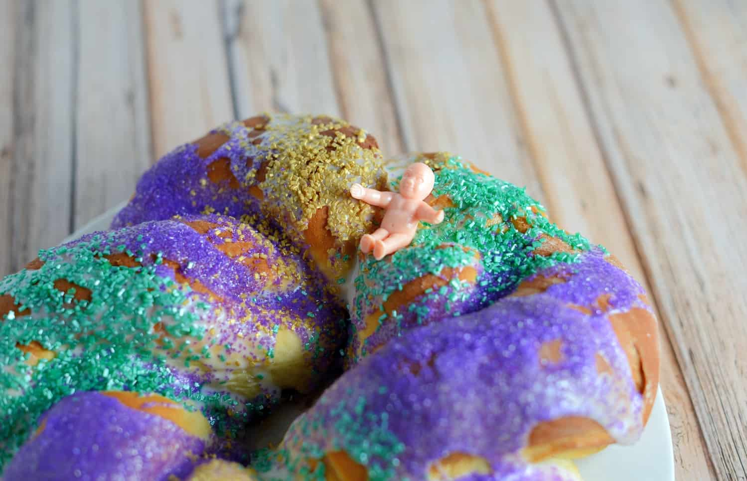How to make a mardi gras king cake.