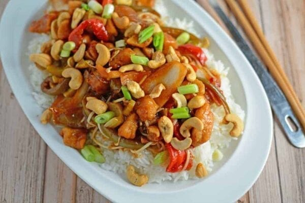 "Crockpot Cashew Chicken Recipe- better than take-out, this cashew chicken recipe is one of the best crock pot meals you will ever taste! I added this to my ""best slow cooker recipes"" file. Tasty Asian sauce with loads of vegetables. www.savoryexperiments.com"