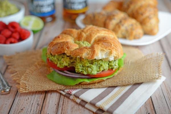 Avocado Chicken Salad Recipe - EASY and Healthy! Avocado pesto chicken salad is the perfect no-cook quick meal. No Mayo! www.savoryexperiments.com