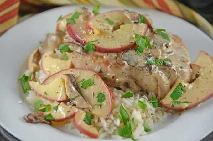 Creamy Apple Pork Chops #sundaysupper