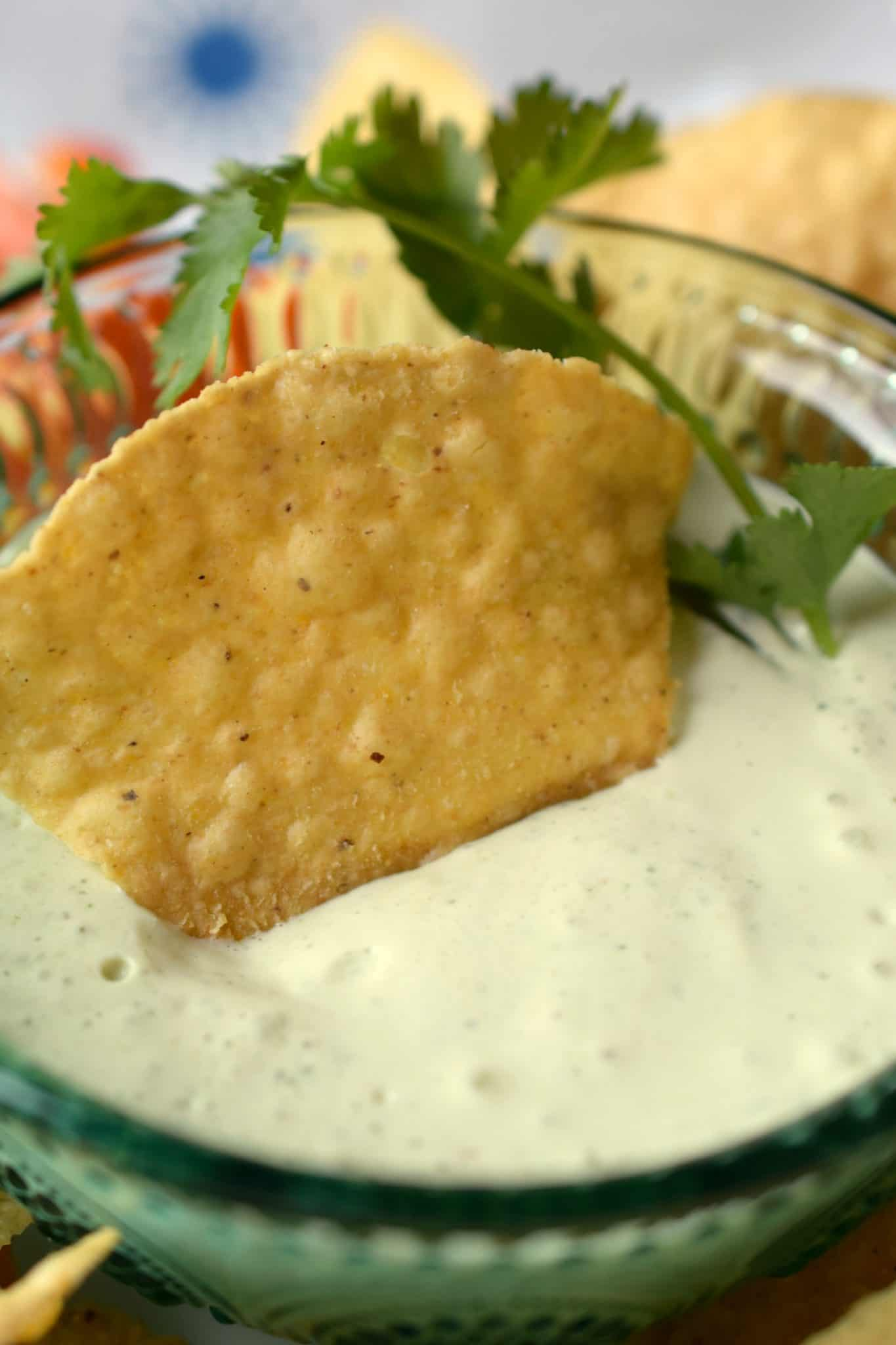 The Best Game Day Recipes – {copycat} Chuy's Creamy Jalapeño Dip