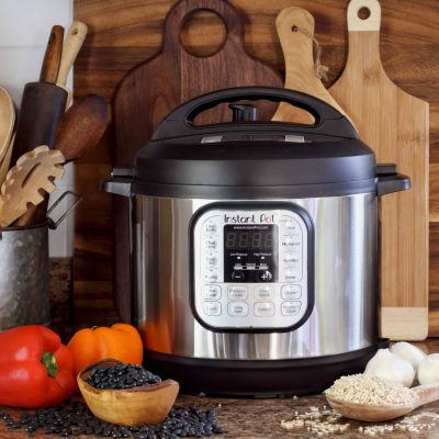 So you have an Instant Pot. Now what? Here I will give Instant Pot 101- a crash course in how to understand and use your Instant Pot. #instantpot #instantpotrecipes www.savoryexperiments.com