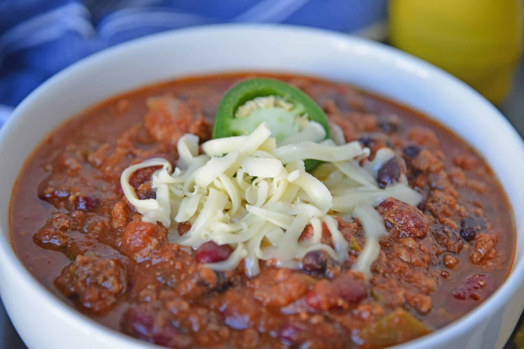 Chili in a white bowl - quick and easy meals
