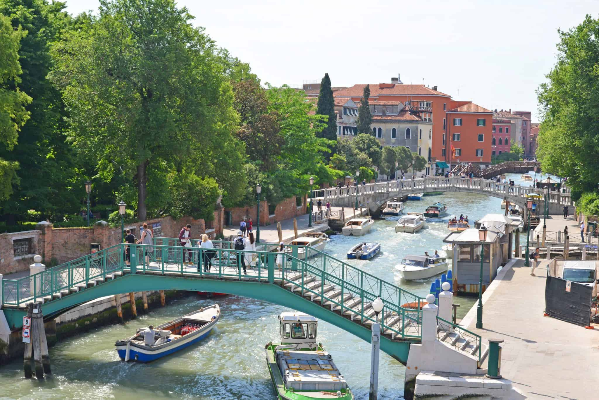"Venice, the city of canals, or the ""floating city"", is made up of 117 small island connected by bridges and canals. There are countless things to do in Venice for a day trip or long weekend. #veniceitaly #italianvacation www.savoryexperiments.com"
