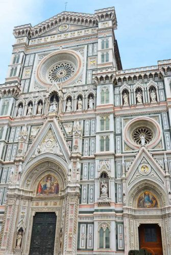 Things to do in Florence, a city full of architecture, mystery, intrigue, art and of course, food! #florenceitaly #thingstodoinflorence www.savoryexperiments.com