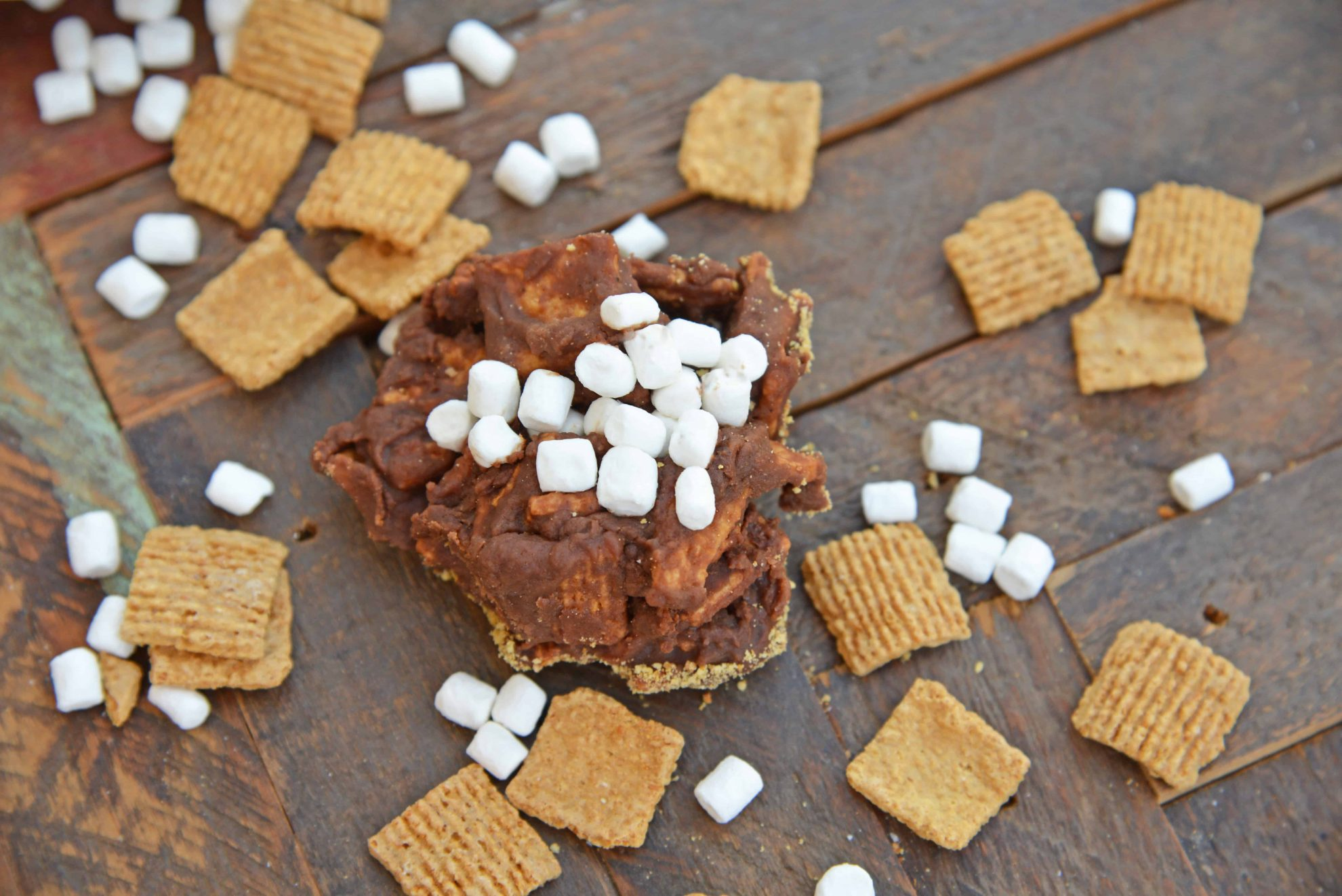 No bake smores cookie with mini marshmallows