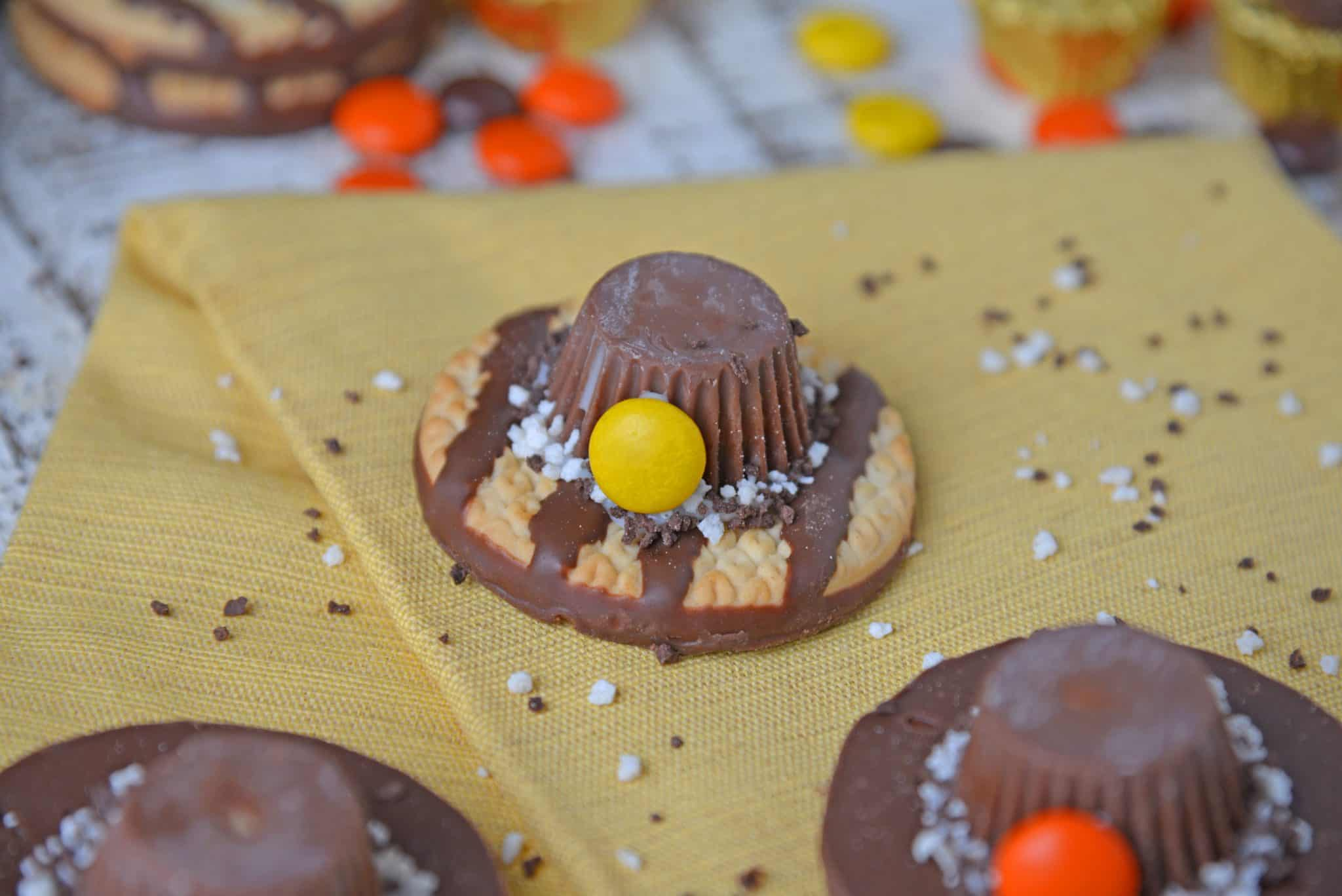 Pilgrim hat no bake cookie recipes on a yellow napkin