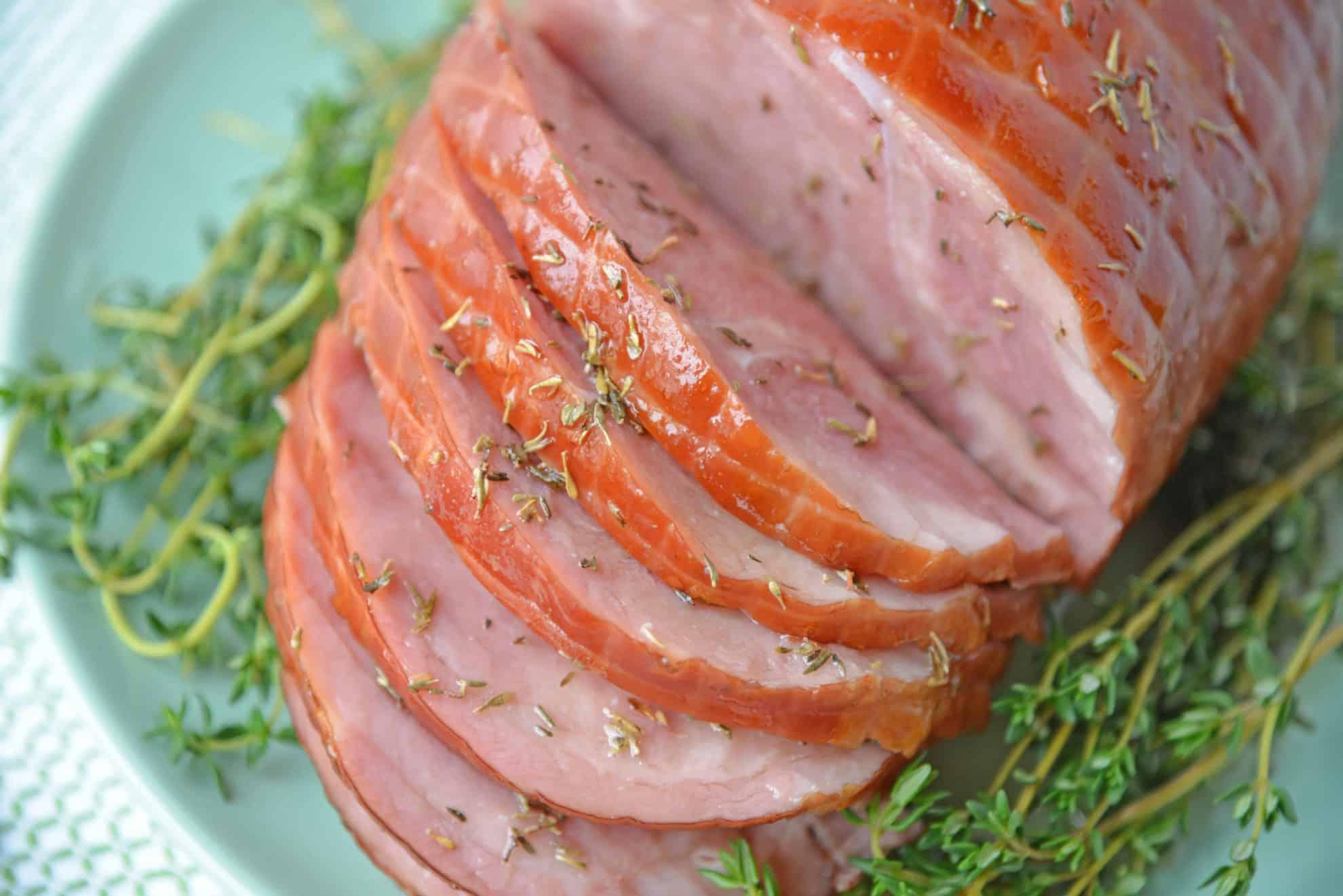 Angle view of sliced glazed ham