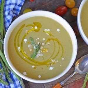 A bowl of cream of asparagus soup