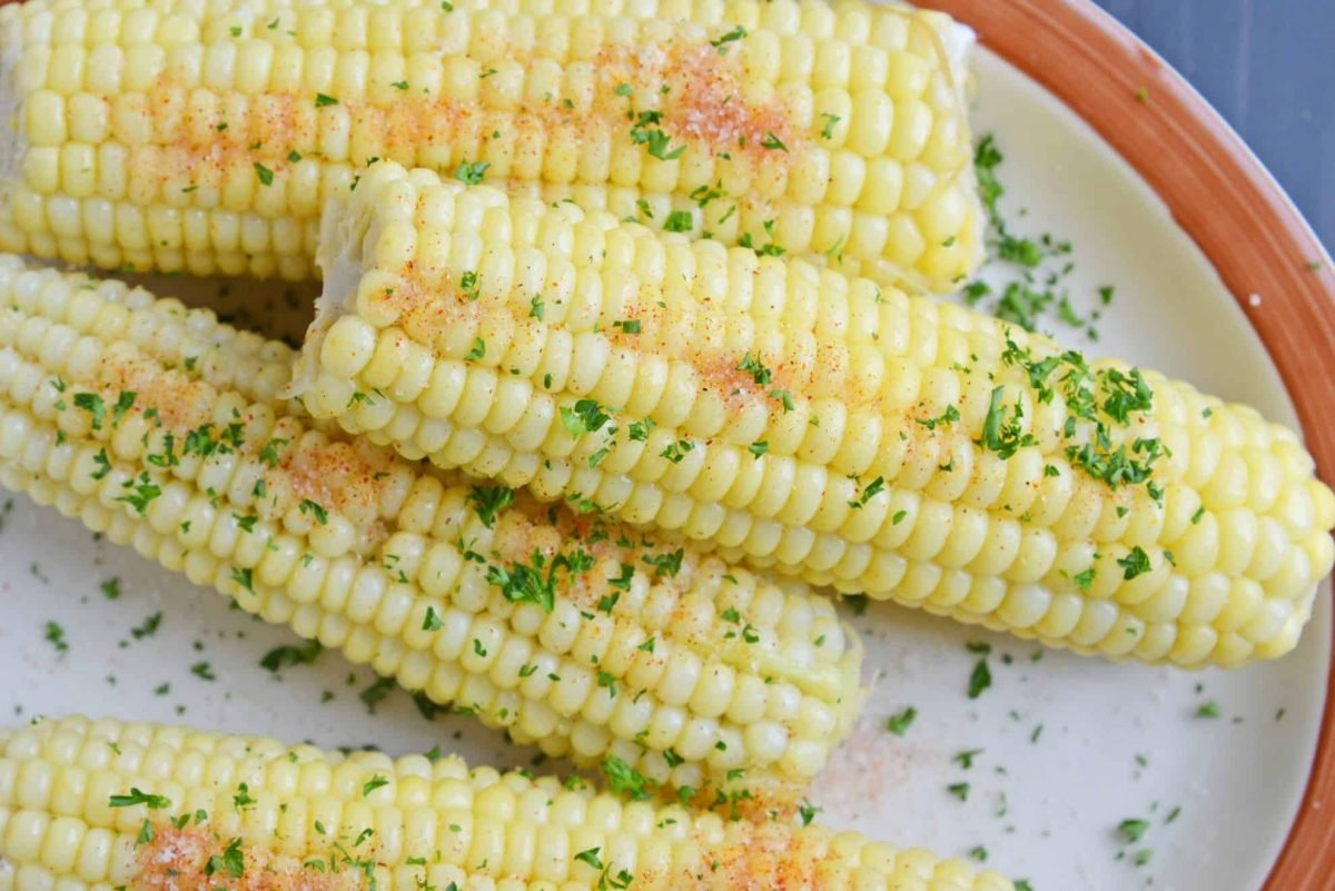 close up of seasoned corn on the cob