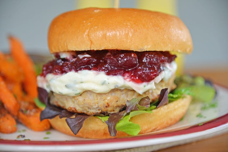turkey burger with cranberry sauce