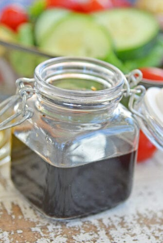 A close up of Vinaigrette