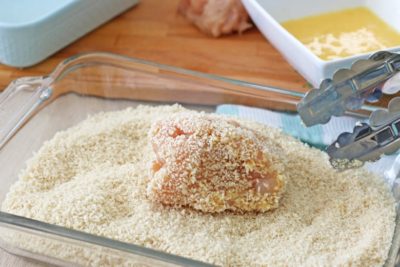Chicken breast in panko bread topping