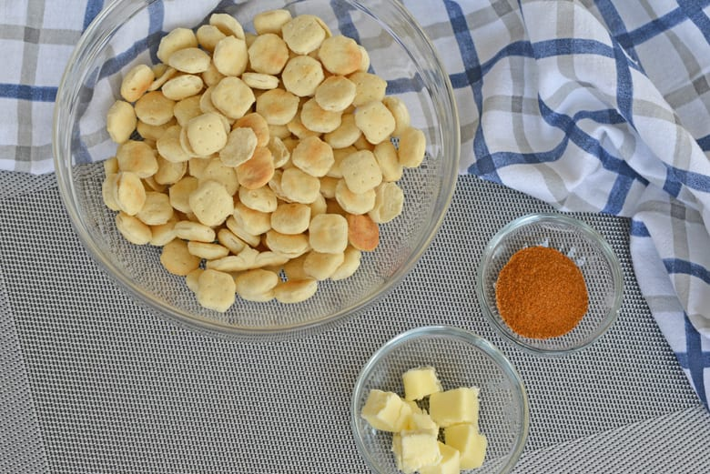 Ingredients for cajun oyster crackers