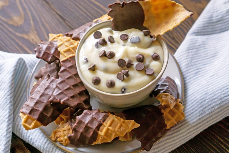 cannoli dip with chocolate covered waffle cones