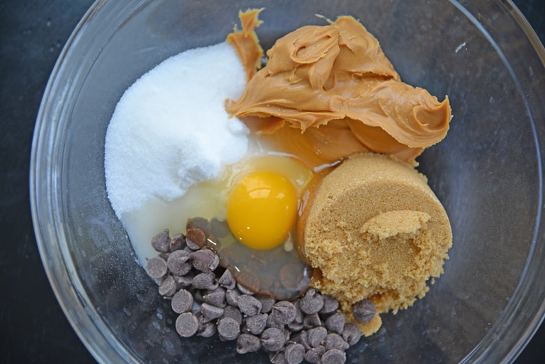 ingredients for flourless chocolate chip peanut butter cookies