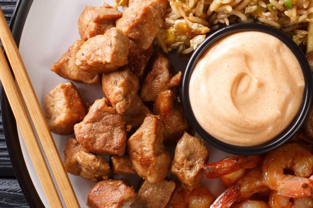 hibachi chicken and yum yum sauce