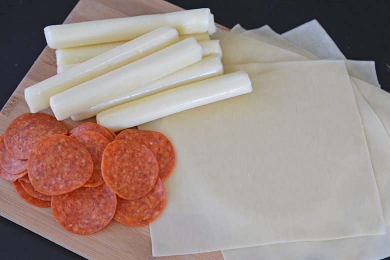 ingredients for pizza logs