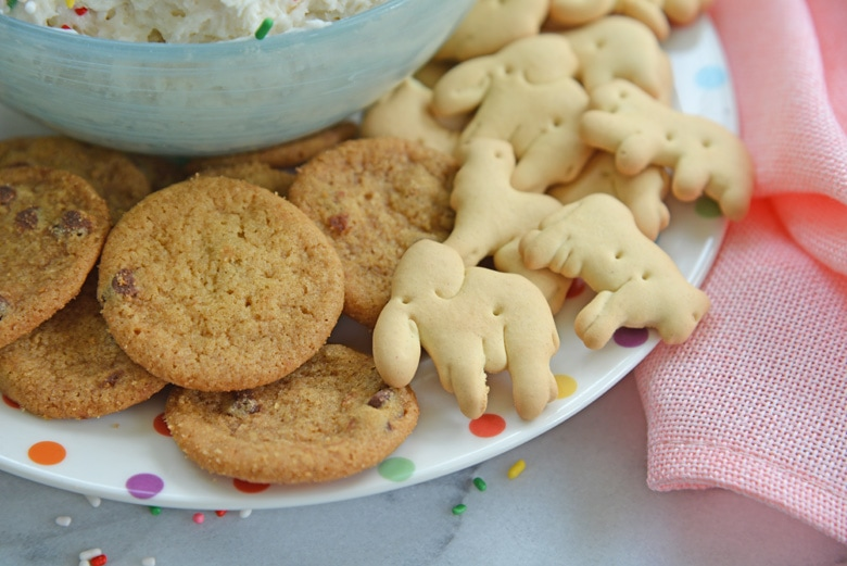 animal crackers and mini chocolate chip cookies for dipping