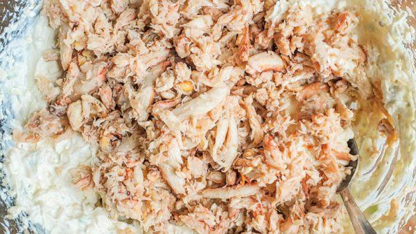 crab in crab rangoon dip