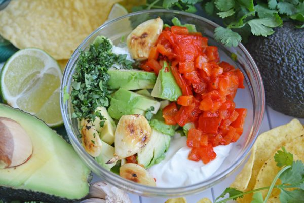 ingredients for easy guacamole