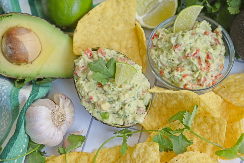 easy guacamole with chips