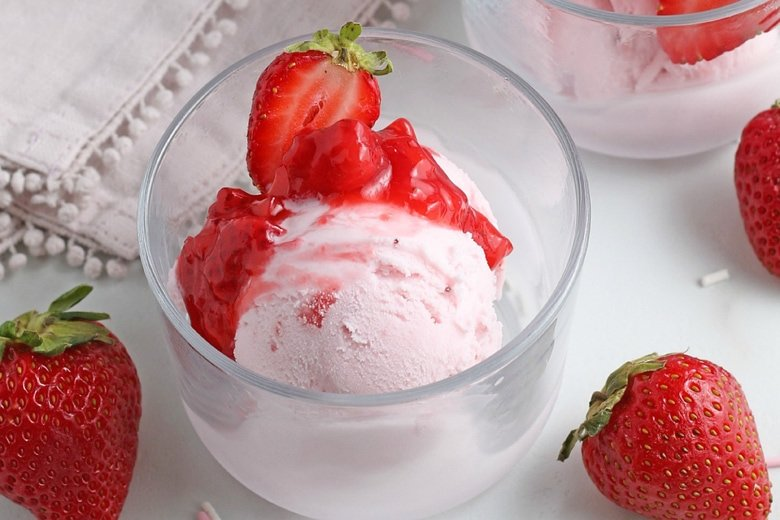 strawberry sauce on ice cream