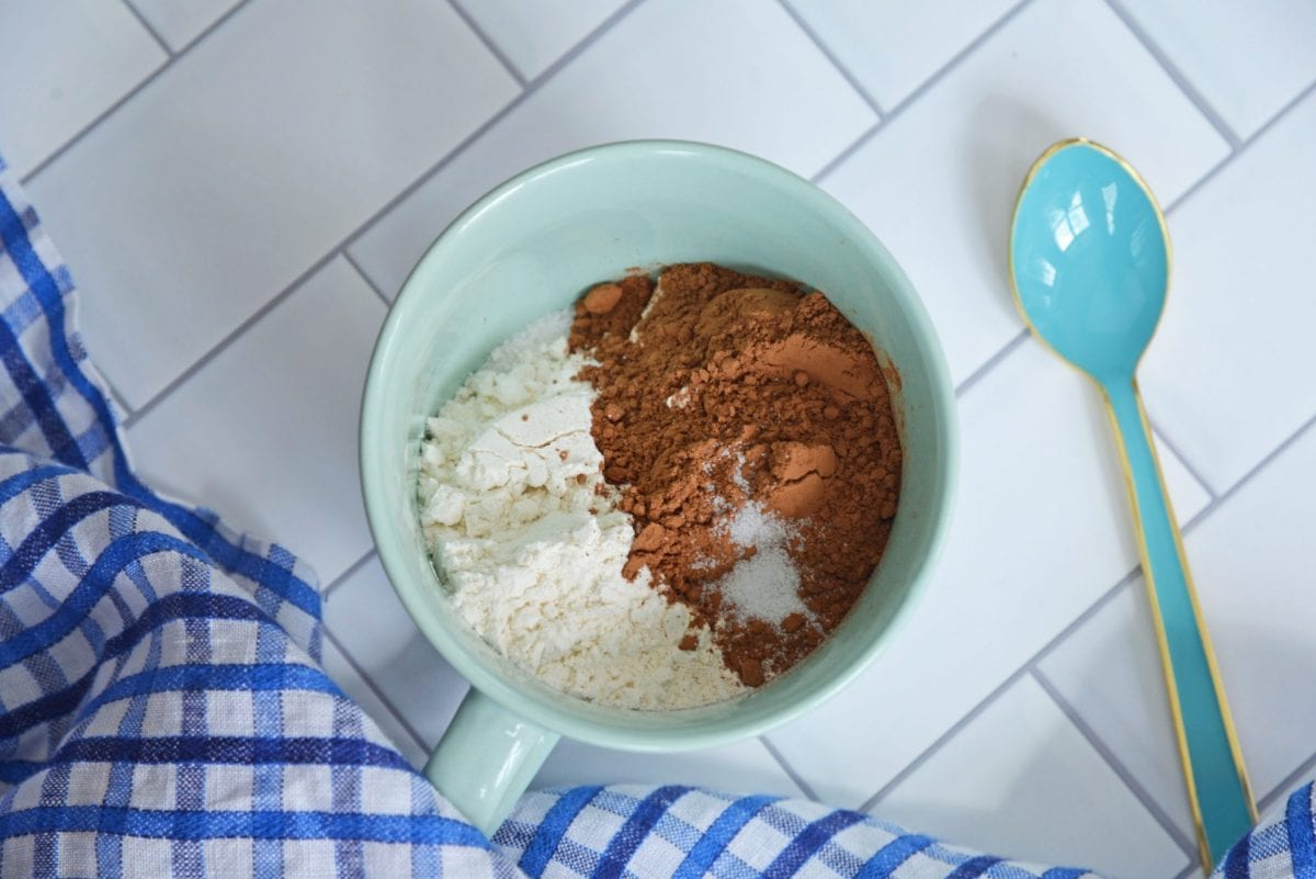 how to make a brownie in a mug- dry ingredients