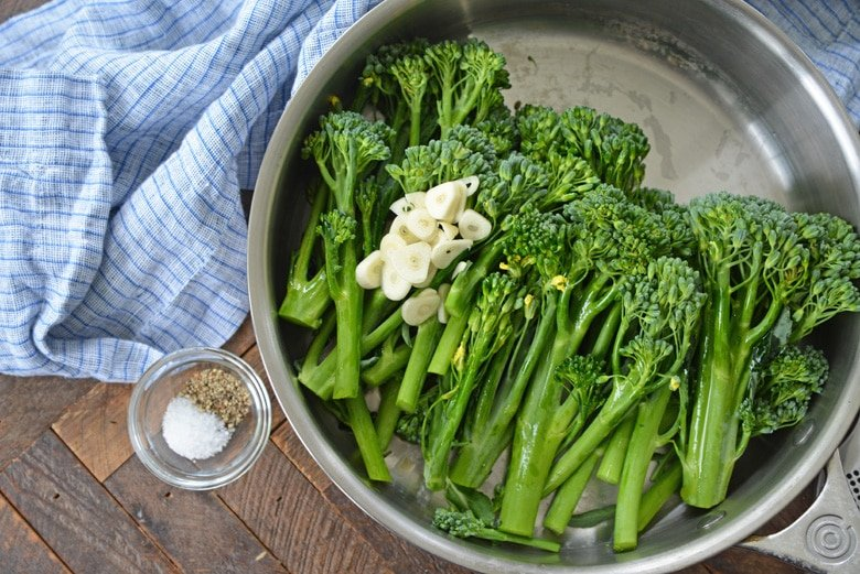 ingredients for pan fried broccolini