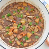 pot of red wine beef stew