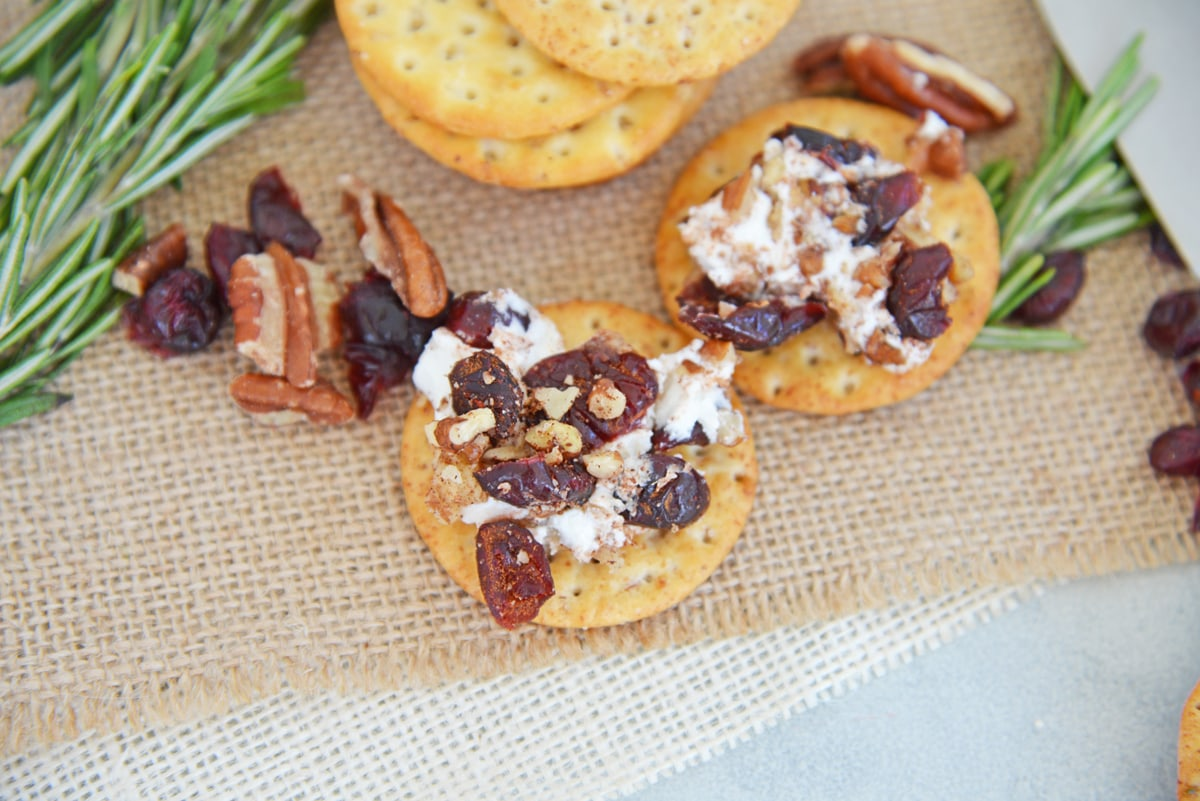 cranberry goat cheese on crackers