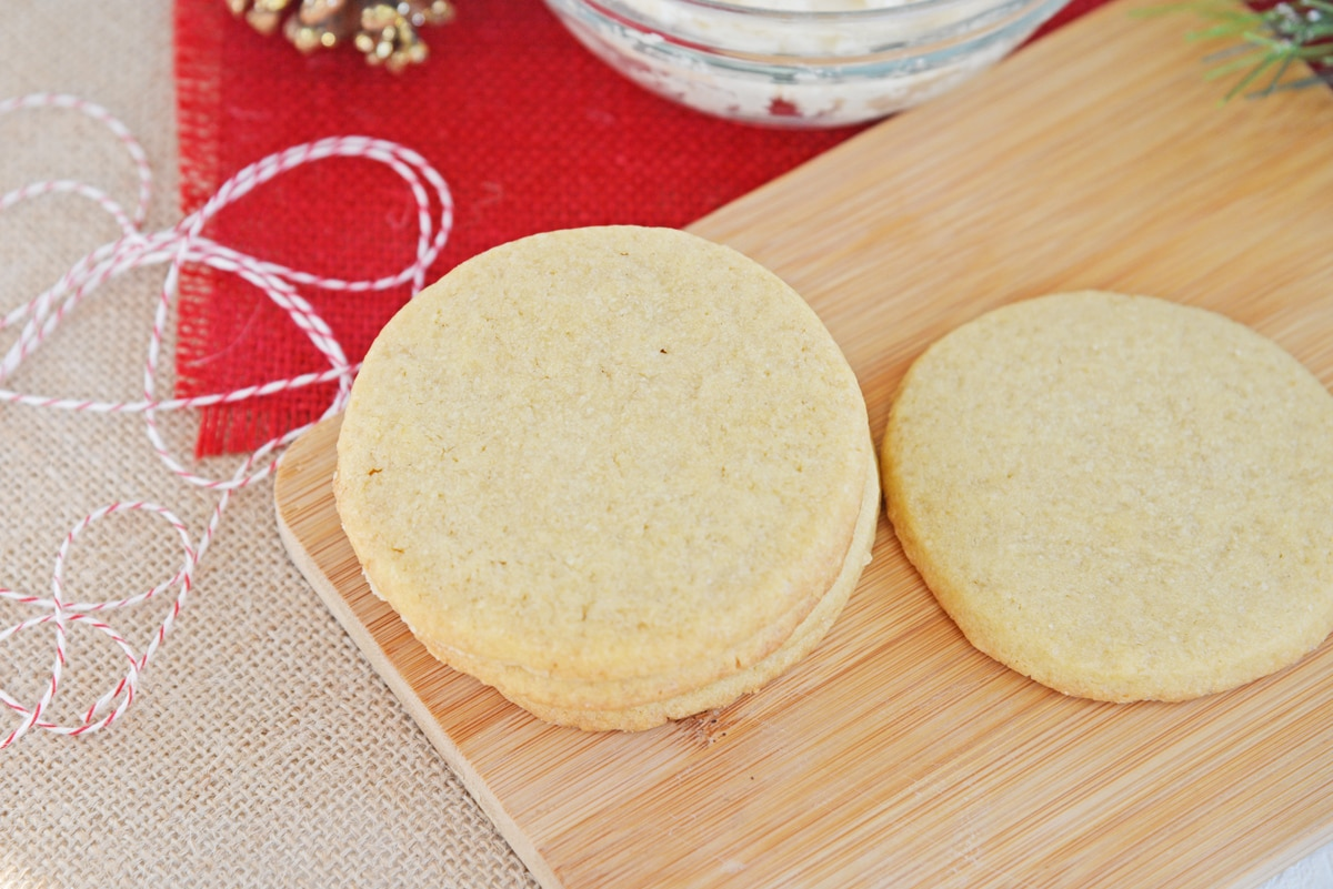 unfrosted eggnog cookies