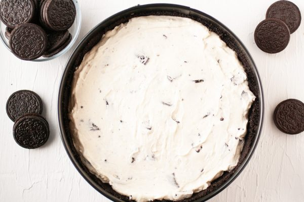 oreo cheesecake in crust