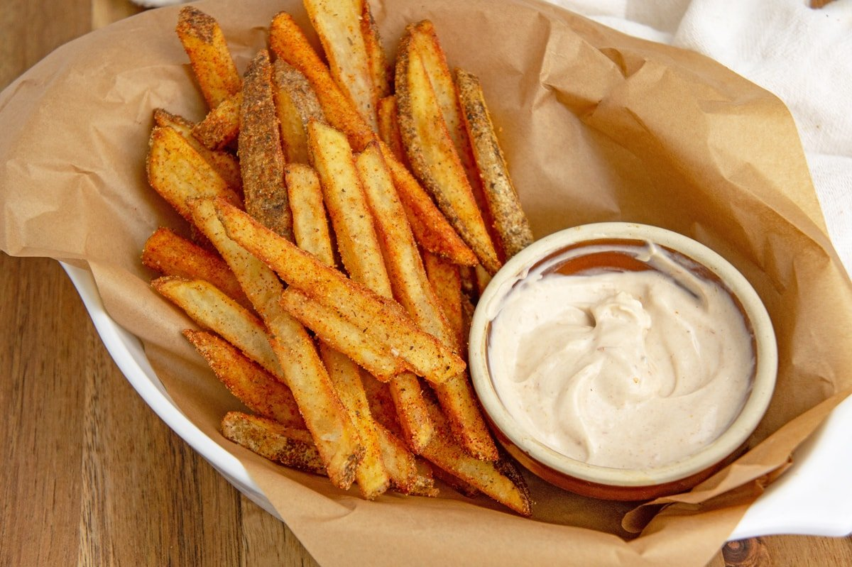 angle of fries in a fry basket