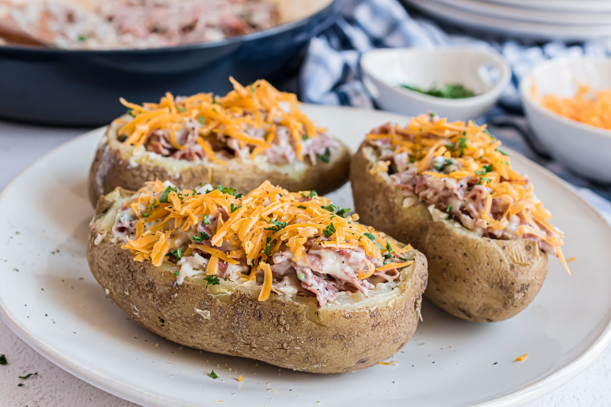 angle of chipped beef stuffed potatoes with cheese and parsley