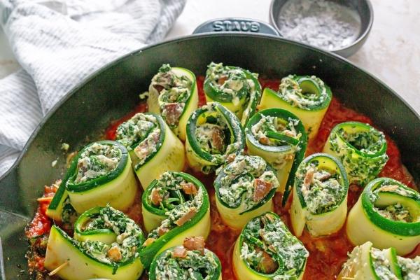 assembled rolls in pan