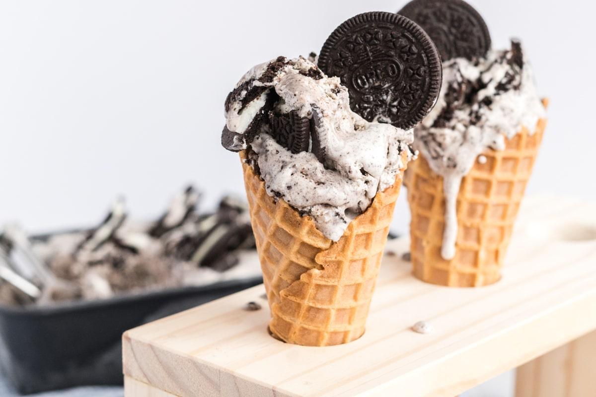 oreo ice cream in waffle cones