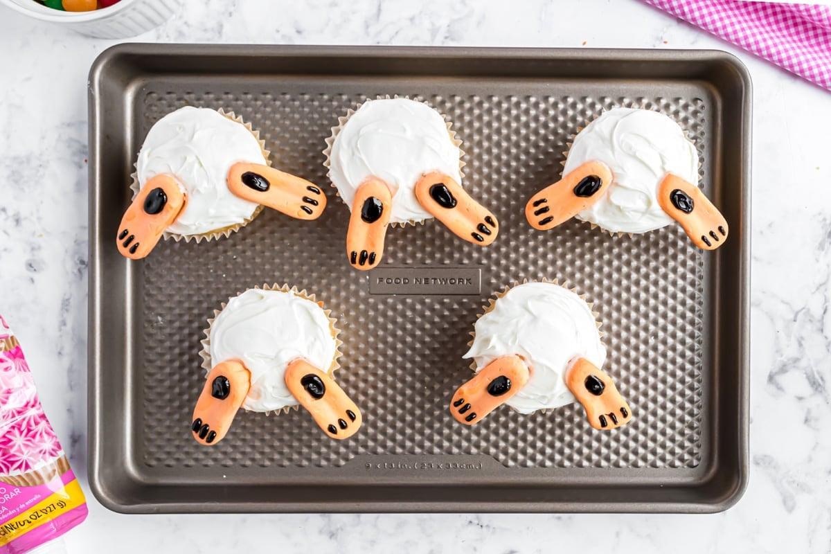 bunny feet cupcakes