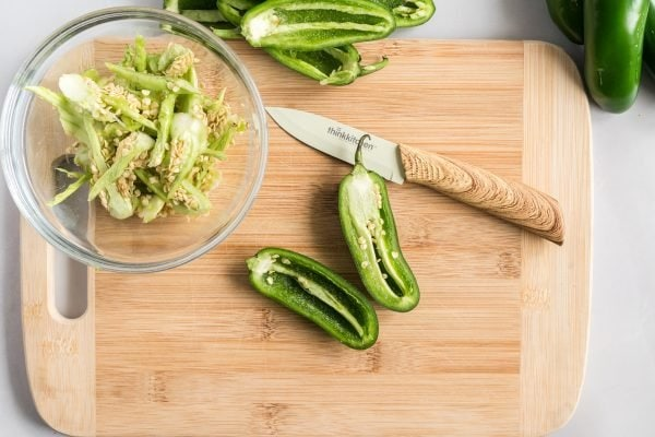 how to chop a jalapeno
