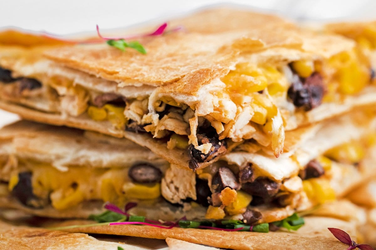 close up side view of chicken quesadilla fillings